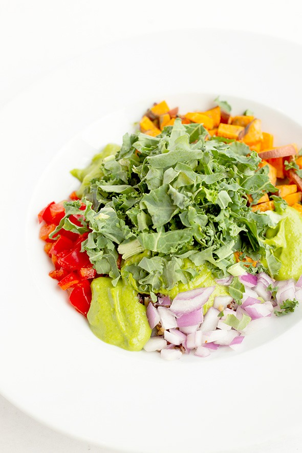 The Sweet Kale bowl checks in at just 150 calories, thanks to the use of an oil-free avocado dressing. - PROVIDED