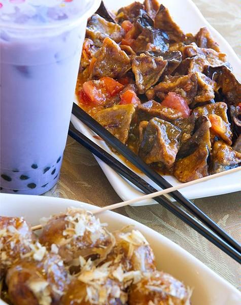 Eggplant in garlic and toku yaki and bubble tea at Wahaha. (Shannon Cornman)