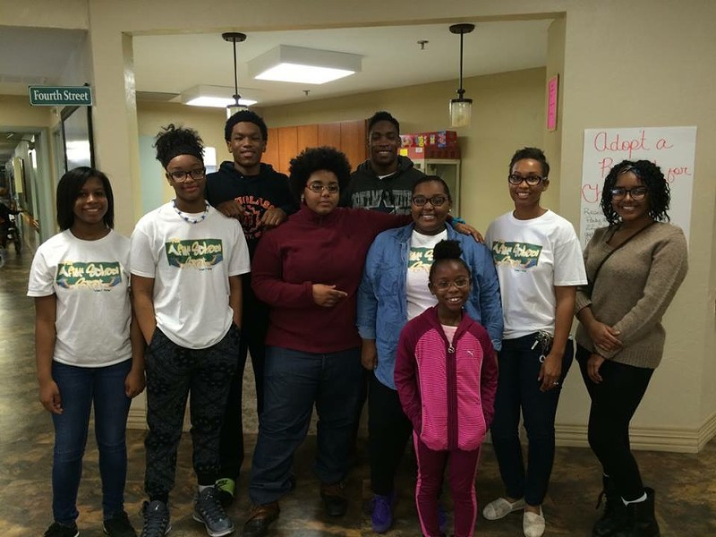 IMG_0102-2015-Thanksgiving-Grace-Living-Center-community-service-project.jpg