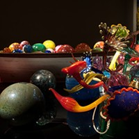 OKCMOA uses various levels and angles of light to display its Dale Chihuly glass in interesting ways.