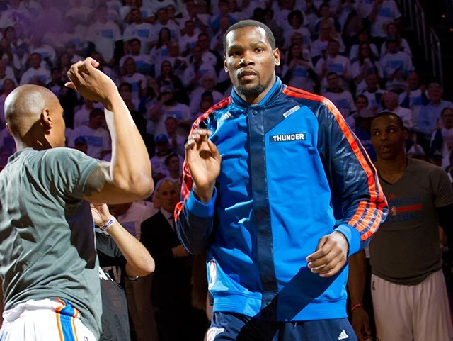Kevin Durant has paired with Kind. (Shannon Cornman / File)