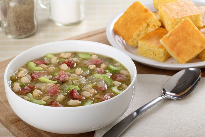 Nana's Quick and Easy Ham and Bean Soup