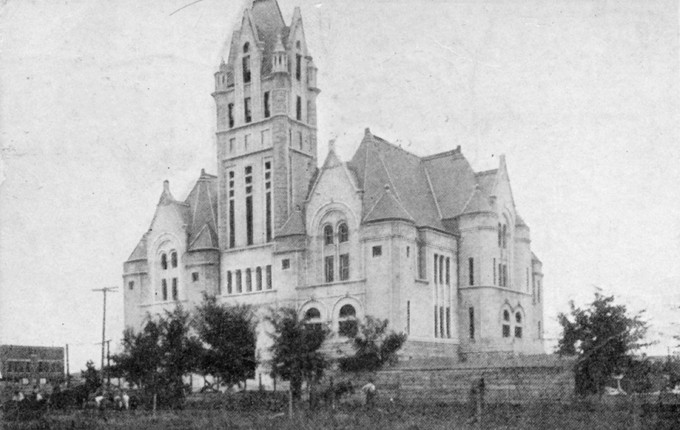 Old-County-Courthouse-and-Jail-in-1910.jpg