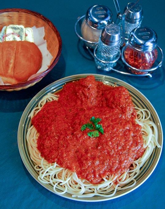 Bella-Vista-Spaghetti-n-Meatballs-17mh.jpg