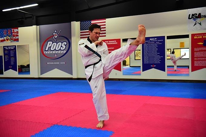 Poos-Taekwondo-Jason-kicks_0526mh.jpg