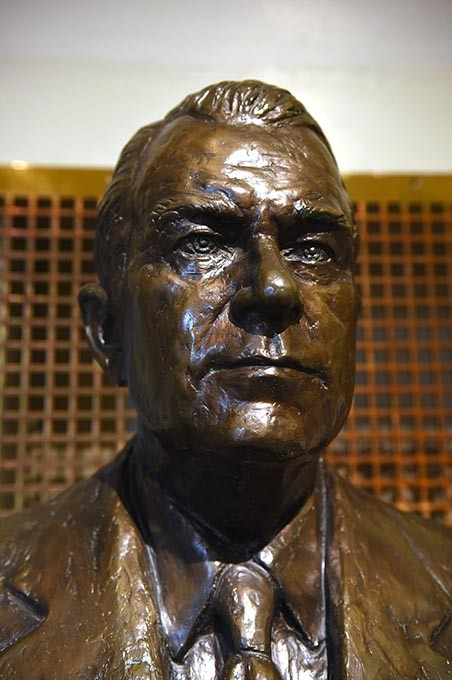 Henry Bellmon's bust at the Oklahoma State Capitol. (Mark Hancock)