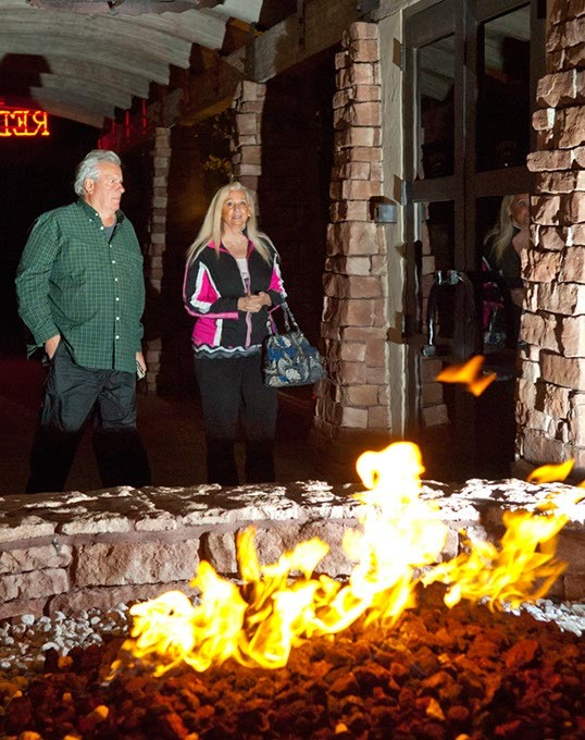 Redrock-Canyon-Grill-fire-11mh.jpg