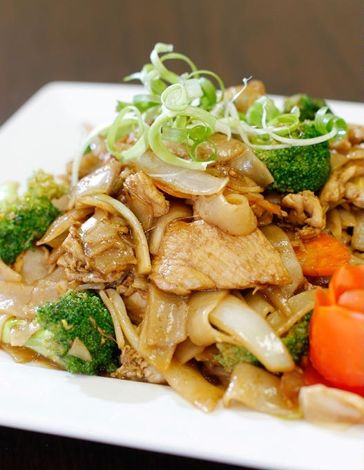 Pad see ew with chicken at Four J's Diner in Oklahoma City, Wednesday, Sept. 16, 2016. - GARETT FISBECK