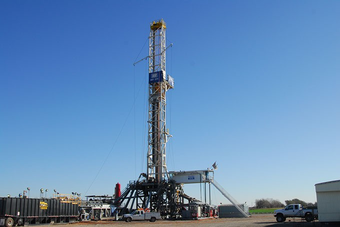 Devon Energy Cana Field natural gas drilling rig.  file 11-18-09.  mh