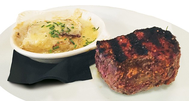 Lunch sirloin with dauphinois potatoes - JACOB THREADGILL