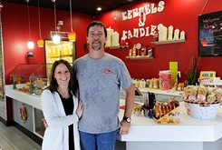 Stacey Mott and Ron Lynch are poppin' sweets at Kernels & Kandies