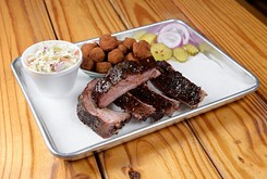 An Edmond barbecue restaurant focuses on smoked meat