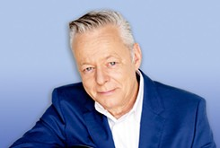 Guitarist Tommy Emmanuel welcomes the Christmas season with holiday classics