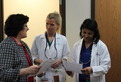 """Interprofessional training and """"speed dating"""" program help medical students learn about peers' fields"""