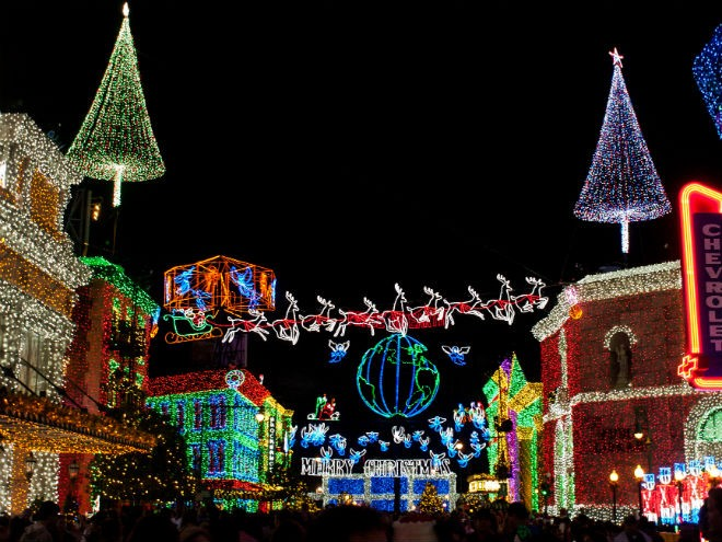 25 magical shots of Disney's Osborne Family Spectacle of Dancing Lights - HOLLY WELDON CARPENTER