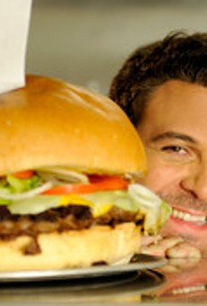 B&B Junction hosts Man v. Food-style burger-eating contest