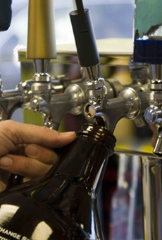 Beer 30 Friday: Florida Legislature finally approves 64-ounce growlers