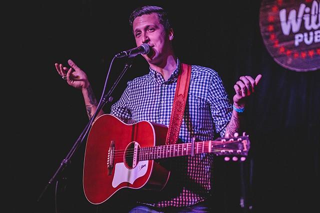 BJ Barham at Will's Pub (photo by James Dechert)