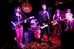 Broncho at Will's Pub (photo by Ashley Belanger)