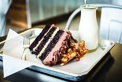 Cake at Se7en Bites (photo by Rob Bartlett)
