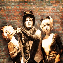 "Tod Kimbro in ""Dumpster Cats"" at the 2015 Orlando Fringe - PHOTO VIA LMT PRODUCTIONS/LINDSAY TAYLOR"