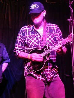 Jayke Orvis at Will's Pub (photo by Ashley Belanger)
