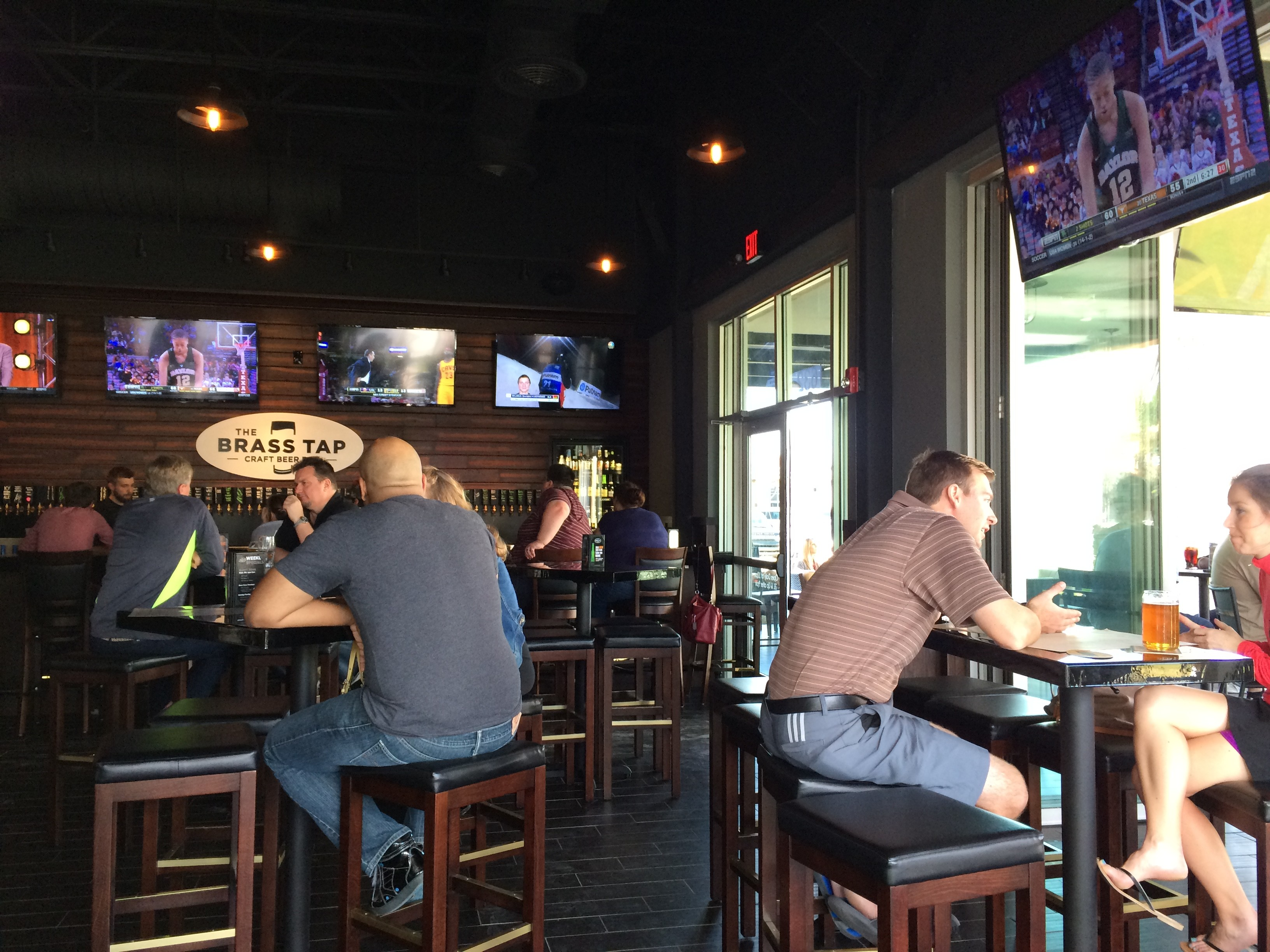 Mills Park Craft Beer Bar Brass Tap Is An Ideal Casual Hang