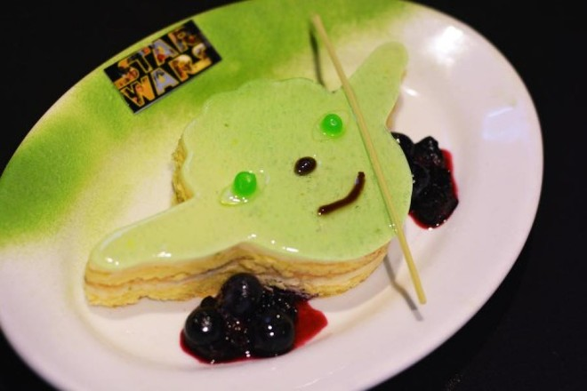 Mini Yoda key lime cake - VIA WALT DISNEY WORLD