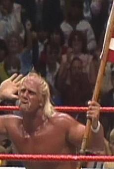 Repentant thief returns Hulk Hogan's shoe