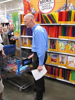 rickscott-walmart-2011-08-12-1691-shoppingawkward-smalljpg
