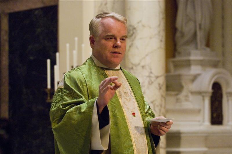 philip_seymour_hoffman_as_father_flynn_in_doubt_jpg