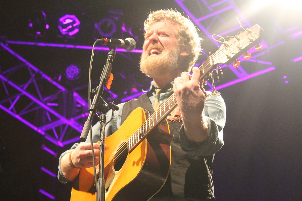 glen_hansard_photo_by_ashley_belanger_3.jpg