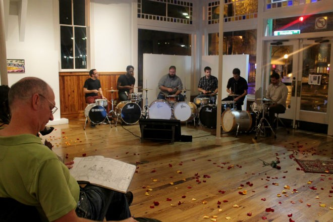 Thomas Thorspecken live-illustrating Thad Anderson's sextet at the Gallery at Avalon Island - ASHLEY BELANGER