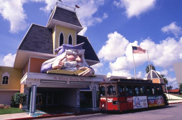 Remember Orlando's Mystery Fun House? A gallery of photos from then and now. - VIA FLORIDAMEMORY.COM