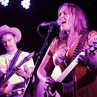 Andrea & Mud sleaze up Will's Pub with their country noir