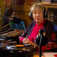 Shirley MacLaine and Amanda Seyfried can't save the uninspired script of 'The Last Word'