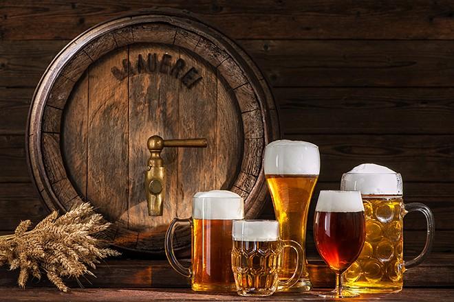 gal_drink_deland_beer_fest_shutterstock_420581620.jpg