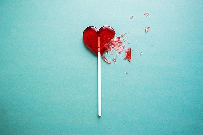 gal_broken_heart_lollipop_shutterstock_377424988.jpg