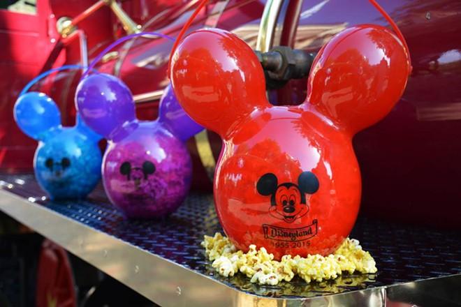Disneyland Halloween Popcorn Bucket 2019.Disneyland S Most Sought After Popcorn Bucket Finally