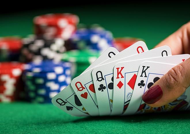 gal_poker_shutterstock_563088631.jpg
