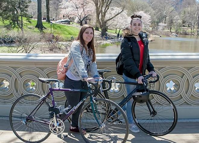 Cycle for SCI's Ciara O'Sullivan and Larissa Clifford