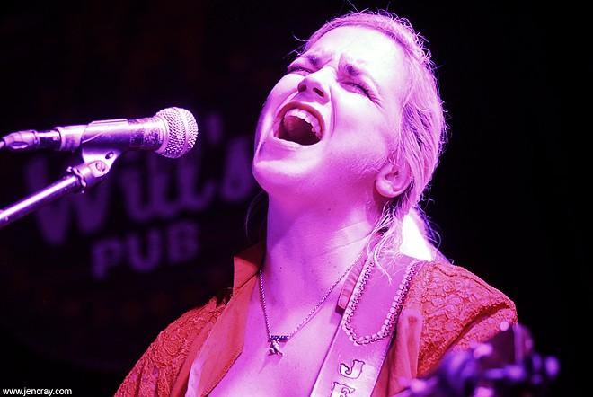 Jenny Parrott at Will's Pub - JEN CRAY