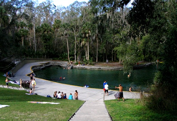 24-wekiwa_springs_state_park_-_spring-commons.wikimedia.org_.jpg