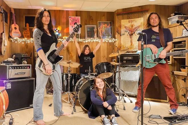 Rock n' Roll Hi Fives