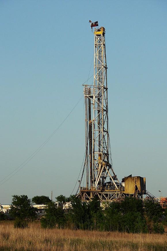 A fracking rig near Alvarado, Texas - VIA WIKIPEDIA