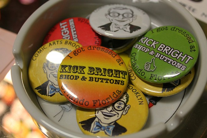 10-28_mus_feedback_kick_bright_shop_buttons_photo_by_ashley_belanger.jpg