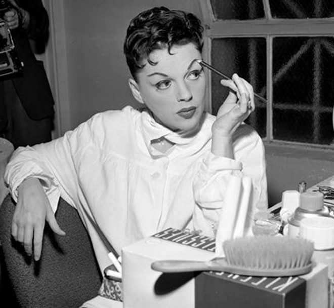 gal_judy_garland_at_greek_theater.jpg