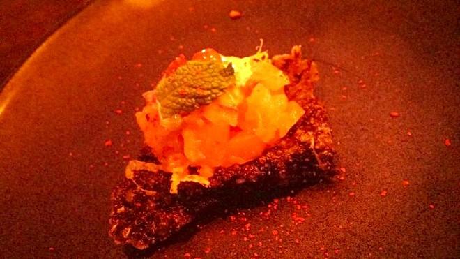 Shiso-cured salmon tartare, salmon skin chip, caper, red onion