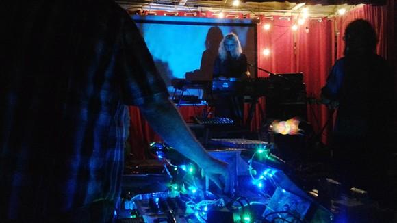 Broken Machine Films' Joshua Rogers doing visuals for Voice Hoist (Stardust Video & Coffee)
