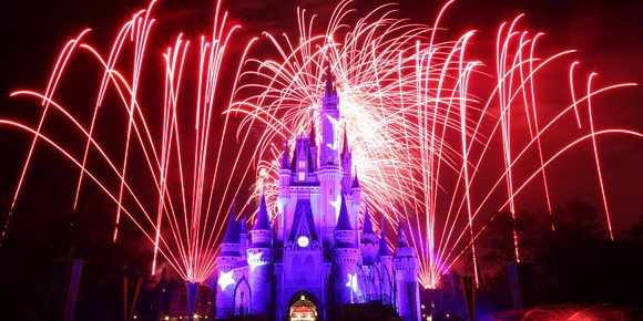 disney-wants-to-use-drones-to-beam-down-images-during-its-light-shows.jpg